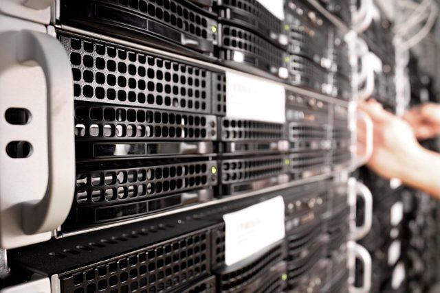 Las 3 maneras básicas de hacer copias de seguridad de tus fotos: servers.