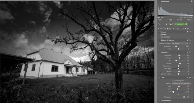 Polarización: Ajustar los canales de las fotografías en blanco y negro y añade Polarización.