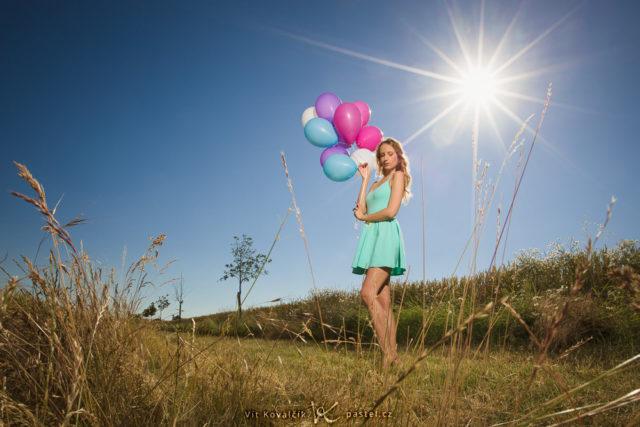 Crea retratos sugestivos en naturaleza: Retrato tomado de una forma un tanto atípica, con un enfoque (focus) muy amplio.
