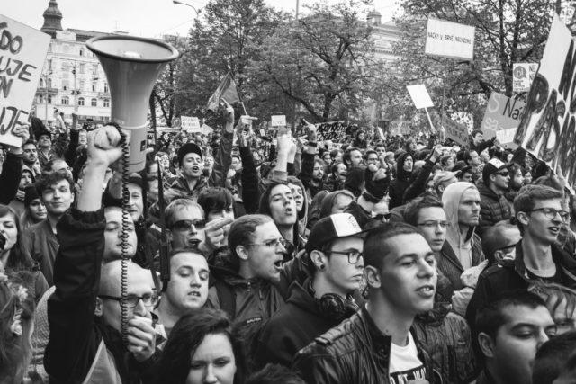 Los 7 desafíos de los reportajes fotográficos: Como estaba dentro de la multitud de manifestantes, pude fotografiar un gran número de ellos y mostrar sus expresiones.